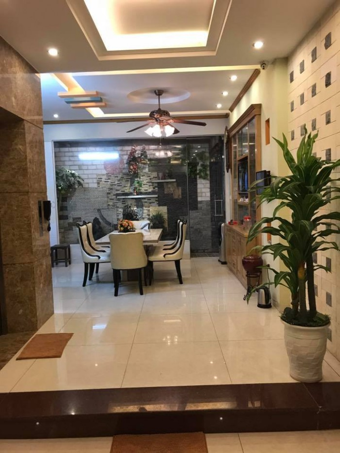 Bán nhà Phạm Ngọc Thạch, Đống Đa, 68m2, 5 tầng, Mt 4.2m