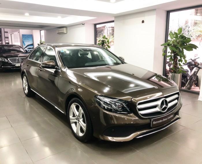 Bán Mercedes E250 2018 màu Nâu chính chủ chạy lướt giá tốt
