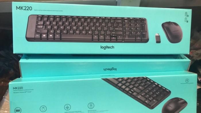 Bộ bàn phím chuột không dây Logitech MK220 chính hãng tặng pin2