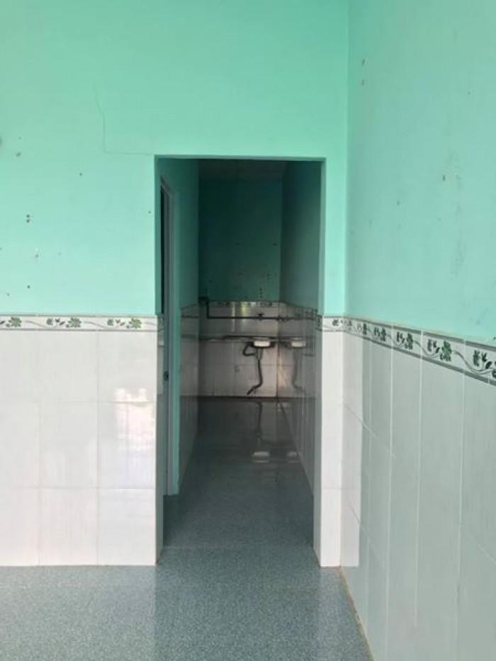 Cần bán nhà cấp 4 ngay ngã tư toàn trung cách đường Vĩnh Lộc 200m