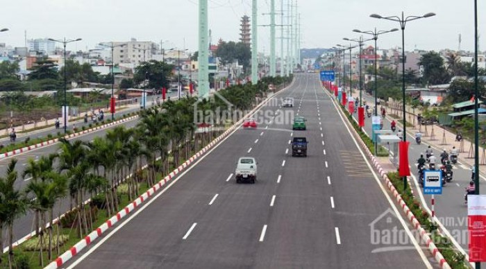 Nhà đẹp, mặt tiền Phạm Văn Đồng 45m2, KD tốt.