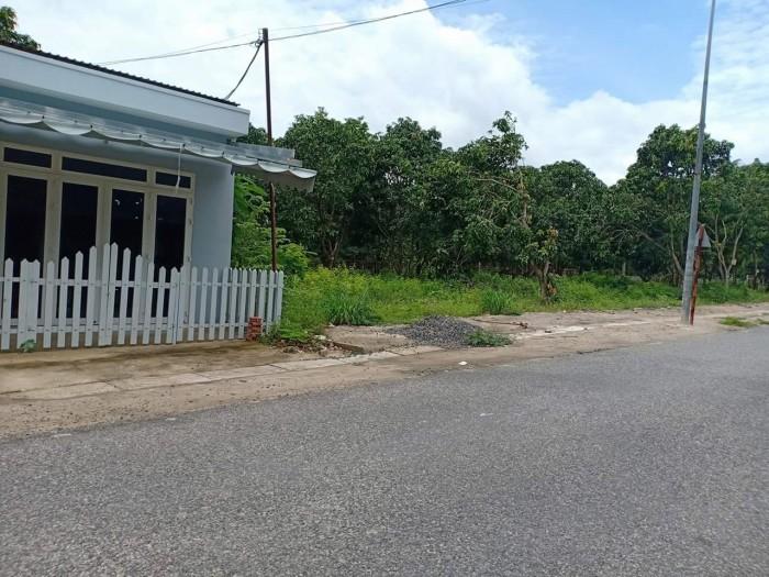 Đất tân hòa, mặt tiền đường vào khu căn cứ Dinh