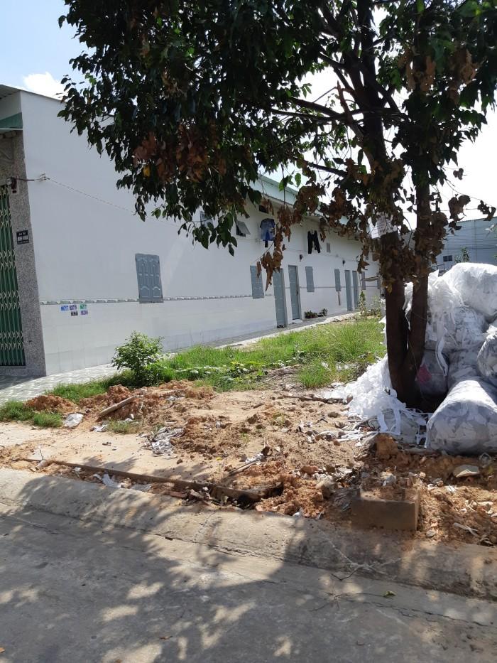 Bán lô đất 10x30m, đối diện trường cấp 2 tại KĐT mới Bình Dương, tiện kinh doanh, buốn bán