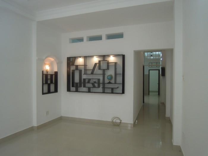 Bán nhà đẹp HXH đường Trương Phước Phan, DT 4m x 20.8m (TL)