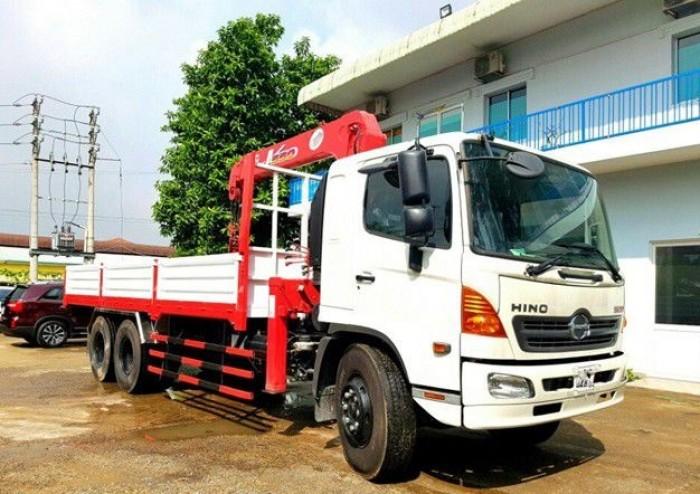 Xe tải Hino FL 13.8 tấn, gắn cẩu unic 5 tấn, trả trước 200 triệu, giao luôn xe - Gọi 0907043398 (Mr Tú 24/24)