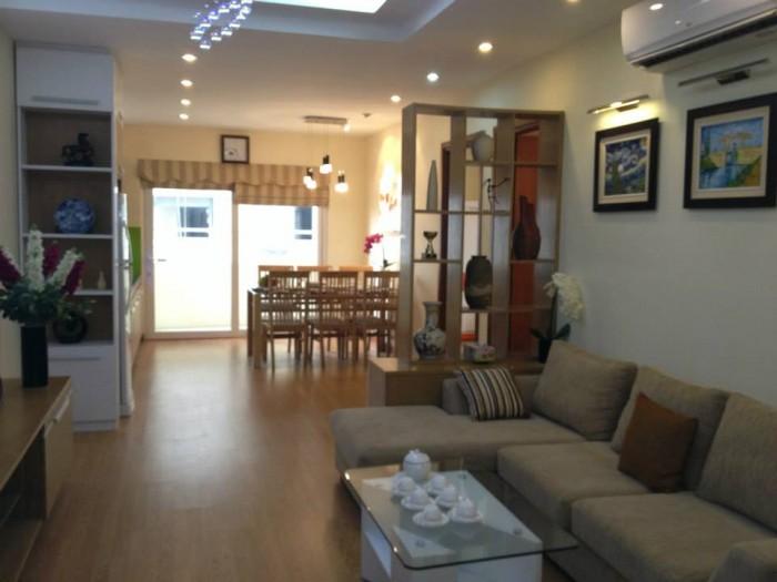 Cho thuê căn hộ chung cư Giai Việt, DT 115m2, 2WC, 2PN, đủ nội thất đẹp