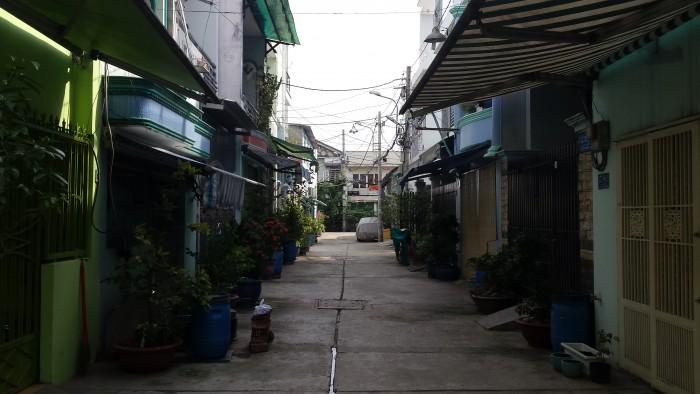 Cho thuê nhà 2 tấm, hẻm xe hơi ngay 4 xã Bình Tân