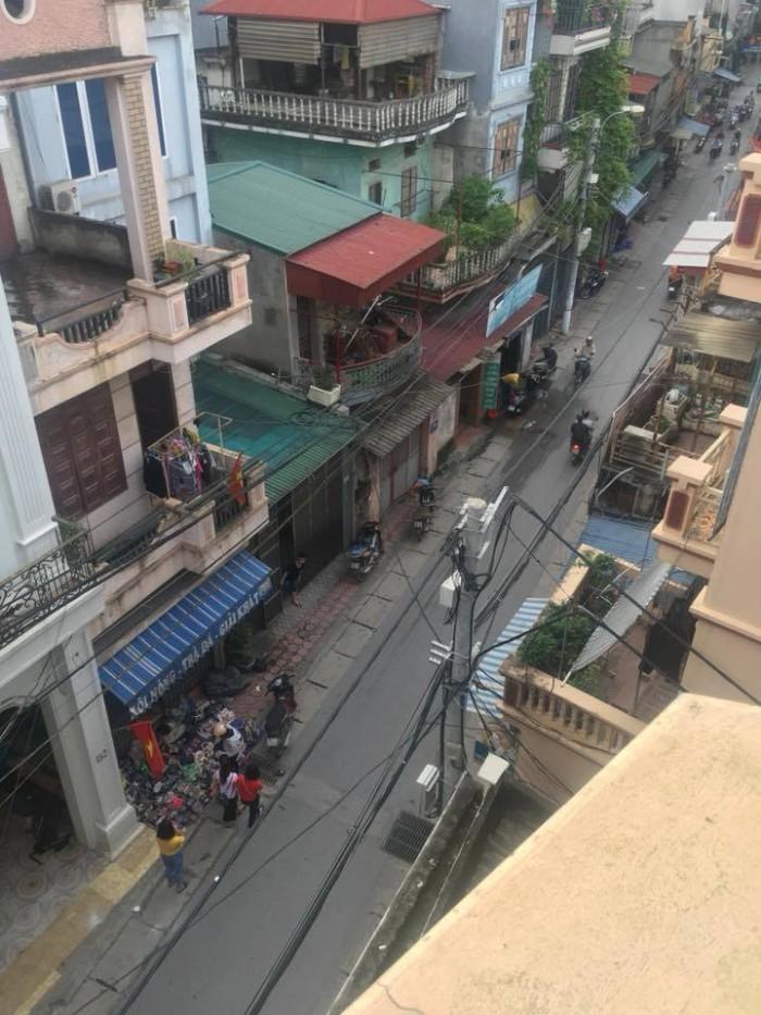Bán nhà mặt phố Nguyễn Chính, phố lớn kinh doanh bấp chấp các loại đều được, nhà hàng, cafê, spa