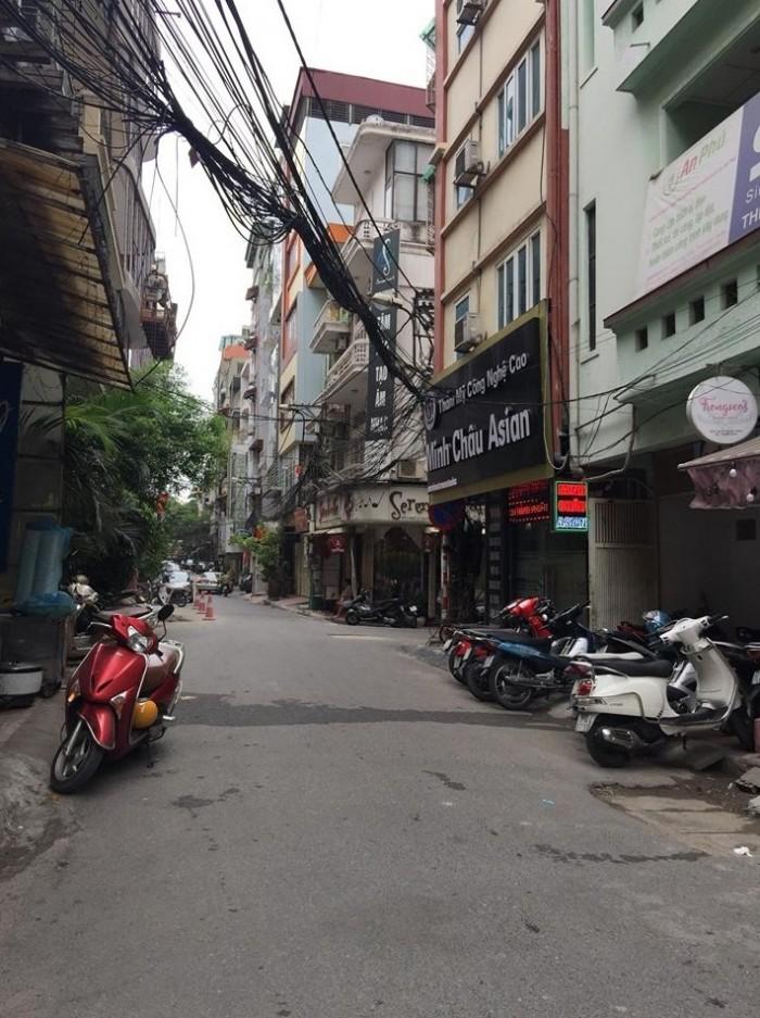 Bán nhà lô góc Huỳnh Thúc Kháng, KD cực đỉnh, ô tô đỗ cửa,45m2