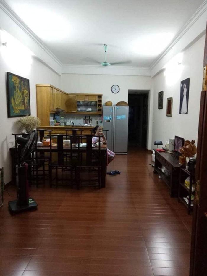 Nhà phố Hoàng Quốc Việt 80mX7t, MT 4m