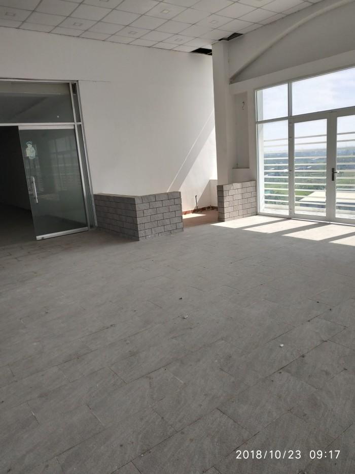 Cho thuê Mặt Bằng tầng 6, đường Đoàn Nguyễn Tuân, có 6 phòng, thang máy
