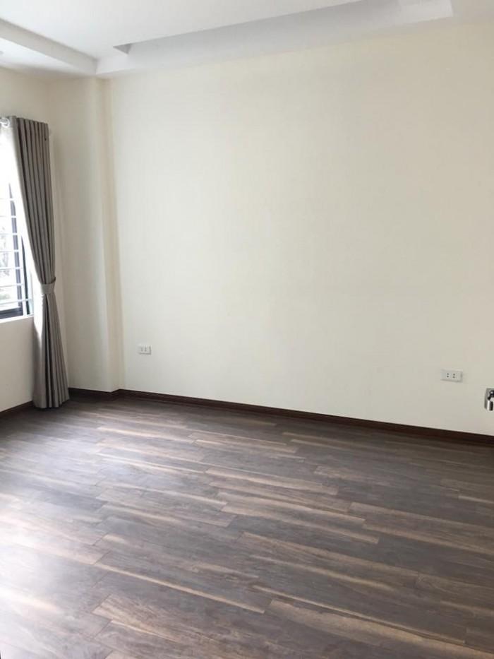Chính chủ bán nhà mặt ngõ Lạc Long Quân, Võng Thị , Tây Hồ , dt 40m2x5 tầng