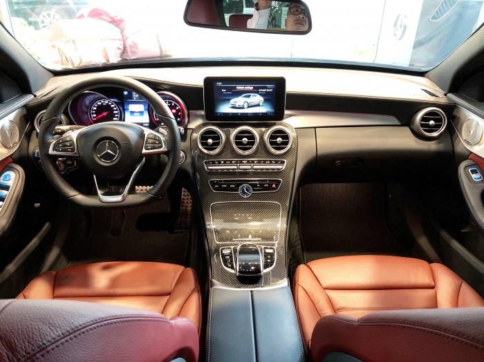 Mercedes-Benz C300 sản xuất năm 2018 Số tự động Động cơ Xăng