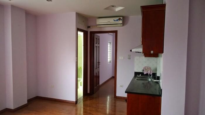 Cần bán gấp căn hộ Screc Tower, diện tích 76m2, 2 Phòng ngủ. 2 WC. Đầy đủ nội thất