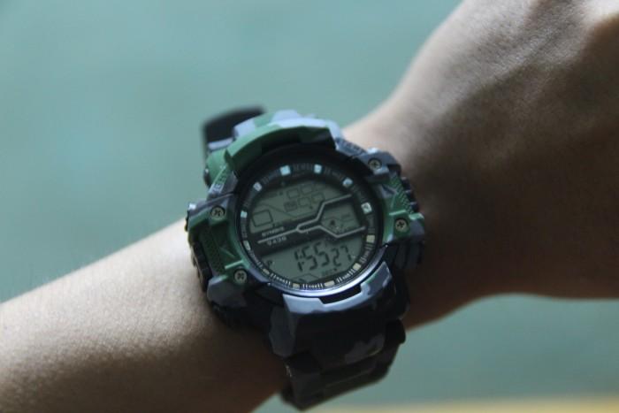 Đồng hồ quân đội chống nước cực tốt có đèn LED0