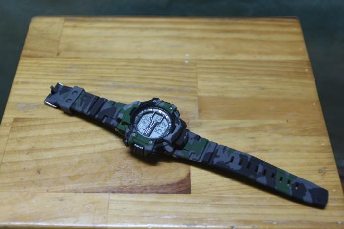 Đồng hồ quân đội chống nước cực tốt có đèn LED1