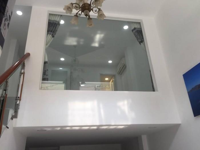 Bán nhà HXH Văn Chung, DT 7.4 x 12m, KC trệt + 2 lầu