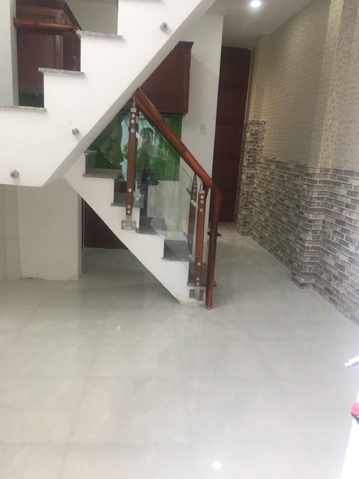 Cần bán căn nhà cách cầu Phú Xuân 2km