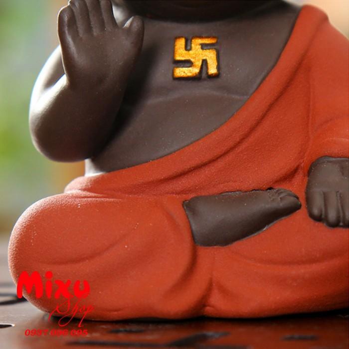 Tượng chibi Phật A Di Đà bằng gốm tử sa0