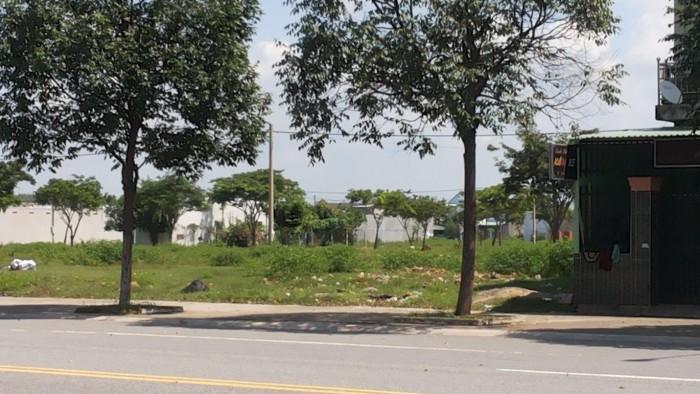 Cần bán 440m2 (3 sổ) đất ngay sát chợ cạnh trường học nằm trong khu đô thị mới Bình Dương