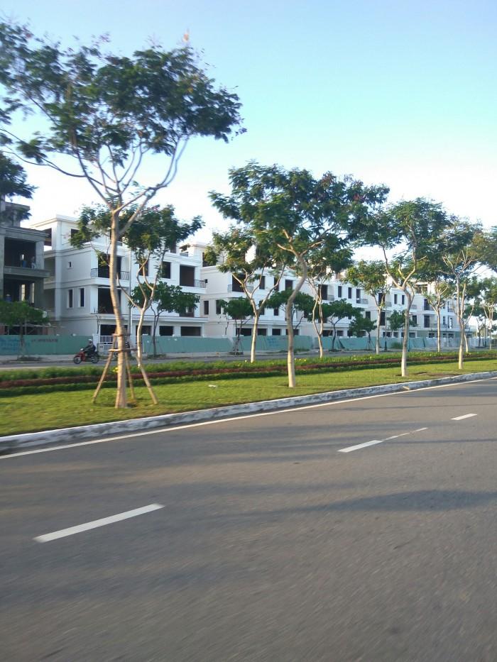 Bán nhà phố mặt tiền đường lớn Nguyễn Sinh Sắc 60m,cách biển Liên Chiểu chỉ 400m!