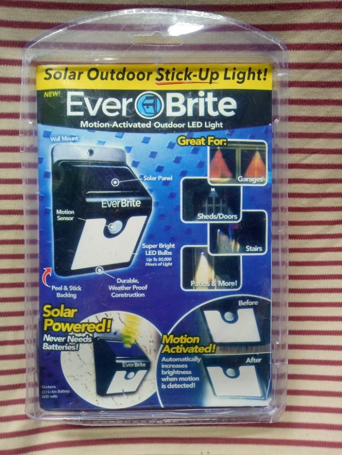 ĐÈN EVER BRITE -đèn năng lượng mặt trời0