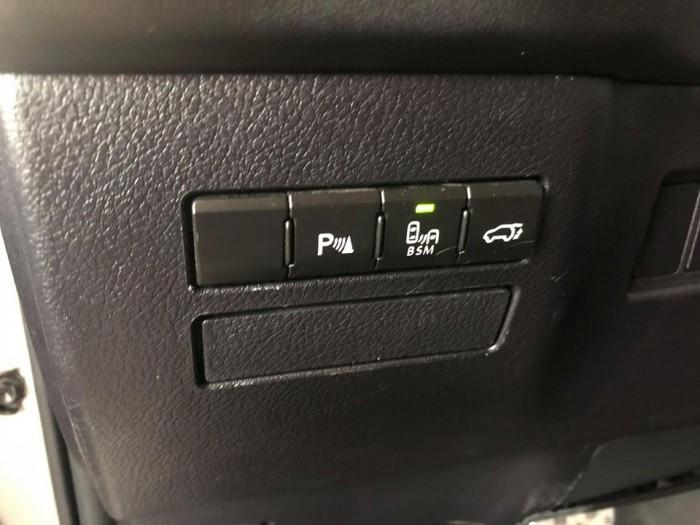 Bán Lexus Nx200t 2015 màu bạc xe gia đình ít đi như mới