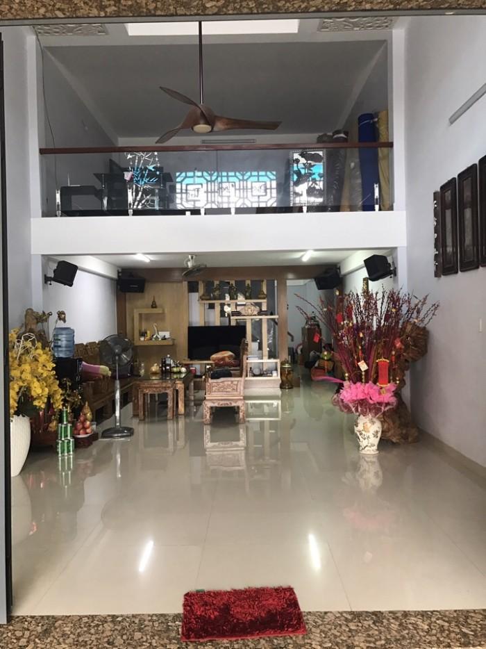Bán nhà đường Phạm Vấn, Quận Tân Phú, 5x27m, 3 tầng, SHR