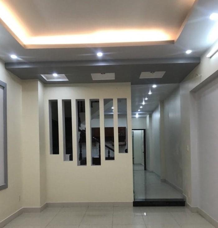 Mình cần bán căn nhà hẻm 147 Nguyễn Thị Thập, Phường Tân Phú, Quận 7.