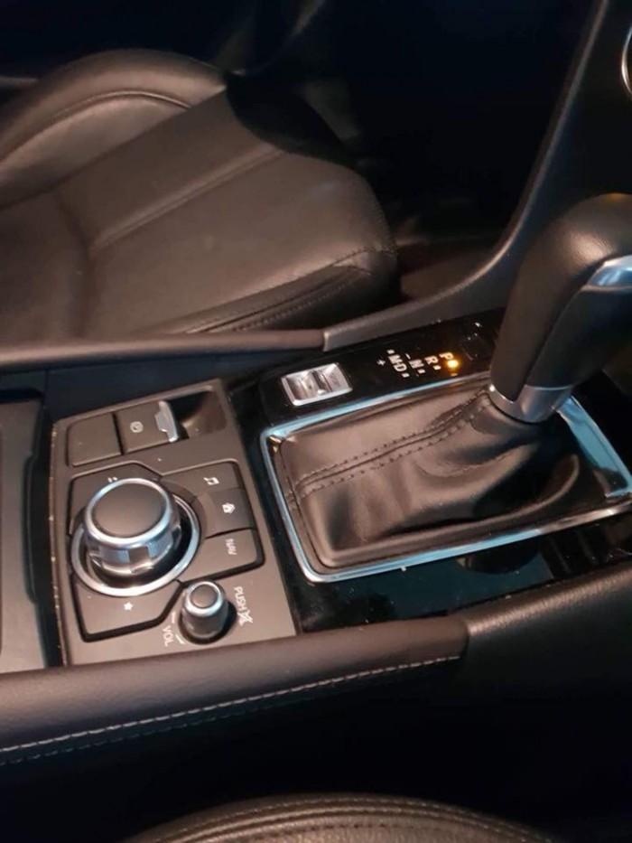 Do không có nhu cầu sử dụng cần bán Mazda3 đk 8/2017, số tự động, màu xám xanh. 0