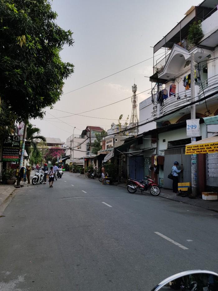 Bán nhà MTNB đường Lê Đình Thụ 4x12m 1 lầu P. Tân Thành Q. Tân Phú