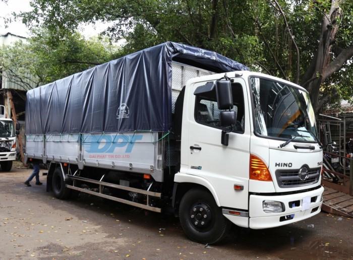 Giá xe tải Hino FL 15 tấn mui bạc nhôm, trả trước 200 triệu, giao luôn xe
