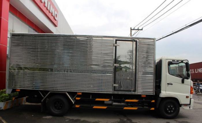 xe tải 6 tấn thùng kín nhập khẩu