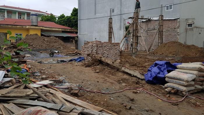 Cần bán lô đất Văn Quán 45m2, mặt tiền 3.8m, kinh doanh tốt, oto vào nhà.