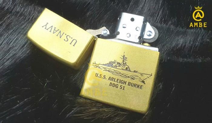 Zippo khắc axit tàu chiến Arleigh Burke Z2174