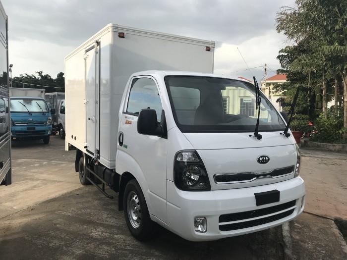 xe tải  ĐC Hyundai 2018 tải trọng 2 tấn Euro4 tại Bình Dương giá tốt 3