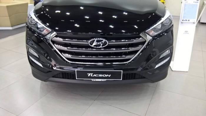 Hyundai Tucson 2018 - Có Sẵn - Trả Góp - Khuyến mãi lớn tại Hồ Chí Minh