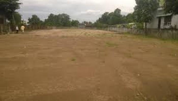 Chú 10 kẹt tiền bán rẻ lô đất mặt tiền Quốc Lộ 50 trung tâm Cần Giuộc. DT 140m2