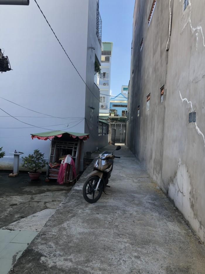 Bán gấp nhà nát khu cư xá ngân hàng Phường Tân Thuận Tây Q7- dt 9x24m