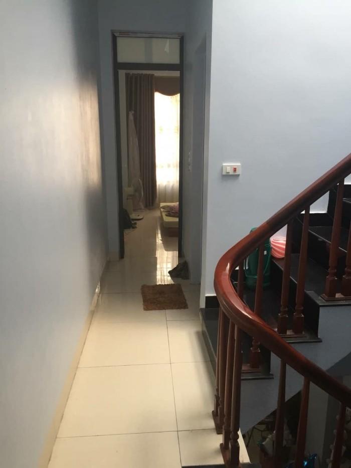 Nhà Long Biên, 31m, ngõ oto cực hiếm.