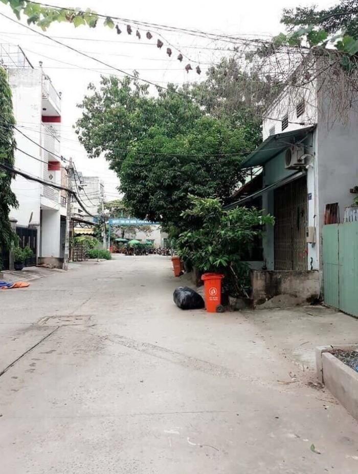 Chính chủ bán gấp căn biệt thự vườn nghỉ dưỡng mặt tiền đường 12m, Bình Chánh, SHR
