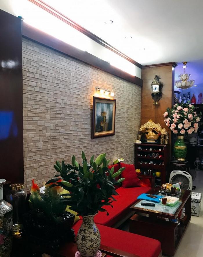 Bán gấp nhà Thái Thịnh, ô tô đỗ cửa, 40m x 4 tầng