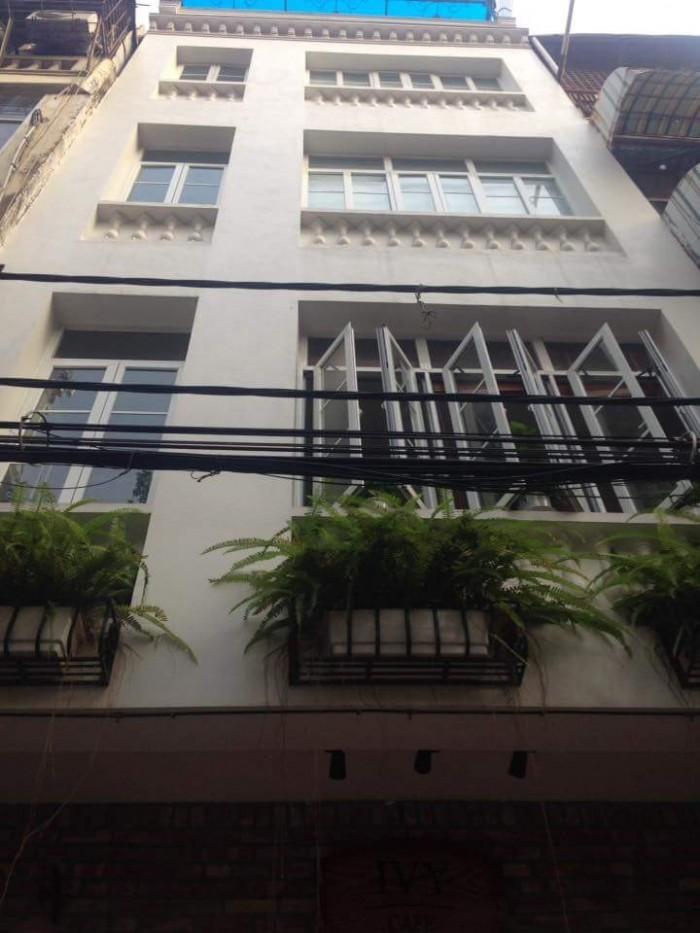 Cho thuê nhà Thạch Bàn, Long Biên làm công ty du học, DT 300m2 để xe thoải mái. Gía Sốc!