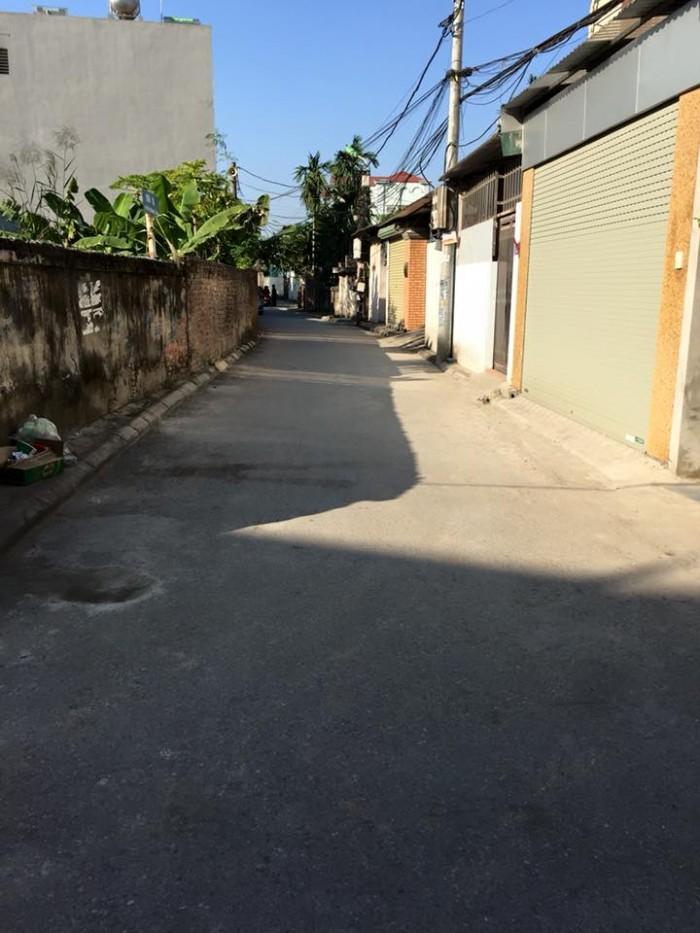 Chính chủ cần bán gấp lô đất 38m Phường Thạch Bàn, Long Biên, Hà Nội chỉ với giá cực sốc