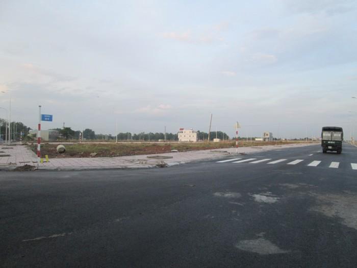 Không có nhu cầu sử dụng cần bán lô đất  MT Đường 20m,  Ngay Cầu Vượt Củ Chi.