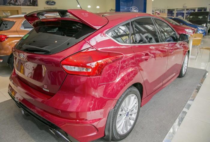 Giá xe Ford Focus Sport RS 5 cửa, trả trước 150 triệu có xe giao ngay tại Gia Định Ford 4