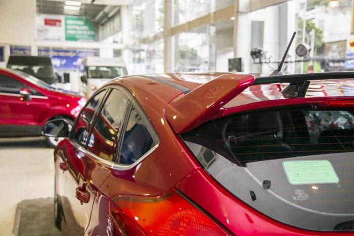 Giá xe Ford Focus Sport RS 5 cửa, trả trước 150 triệu có xe giao ngay tại Gia Định Ford 2