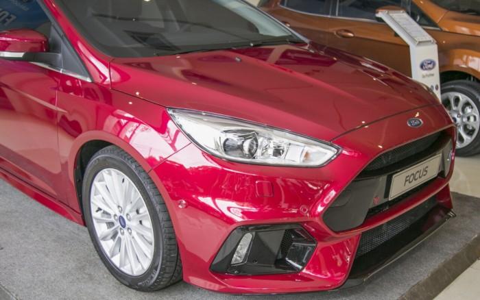 Giá xe Ford Focus Sport RS 5 cửa, trả trước 150 triệu có xe giao ngay tại Gia Định Ford