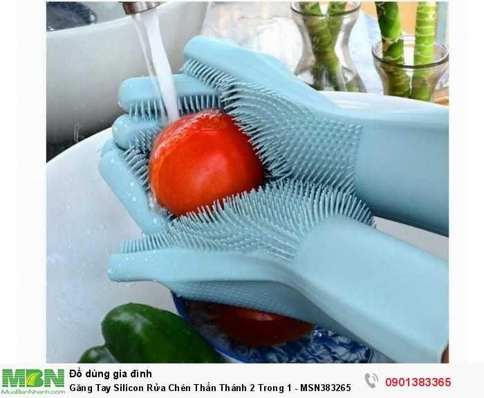 Găng tay với những lớp gai ngay lòng bàn tay giúp chị em dễ dàng cọ rửa sạch tr...