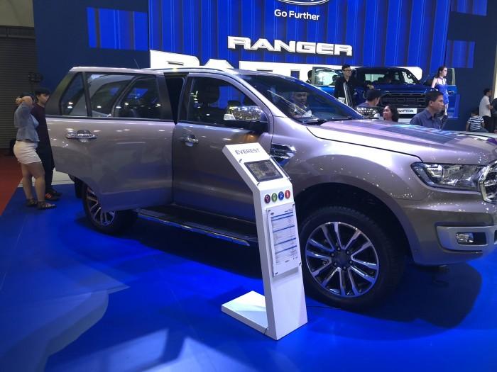 Ra mắt xe Ford Everest 2.0L Bi-Turbo 2019 trả trước 300 triệu có xe ngay tại Ford Gia Định - Gọi ngay 0966877768 (Mr Hải 24/24)